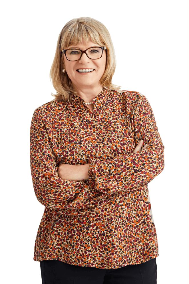 Dr. Evelyne Menges
